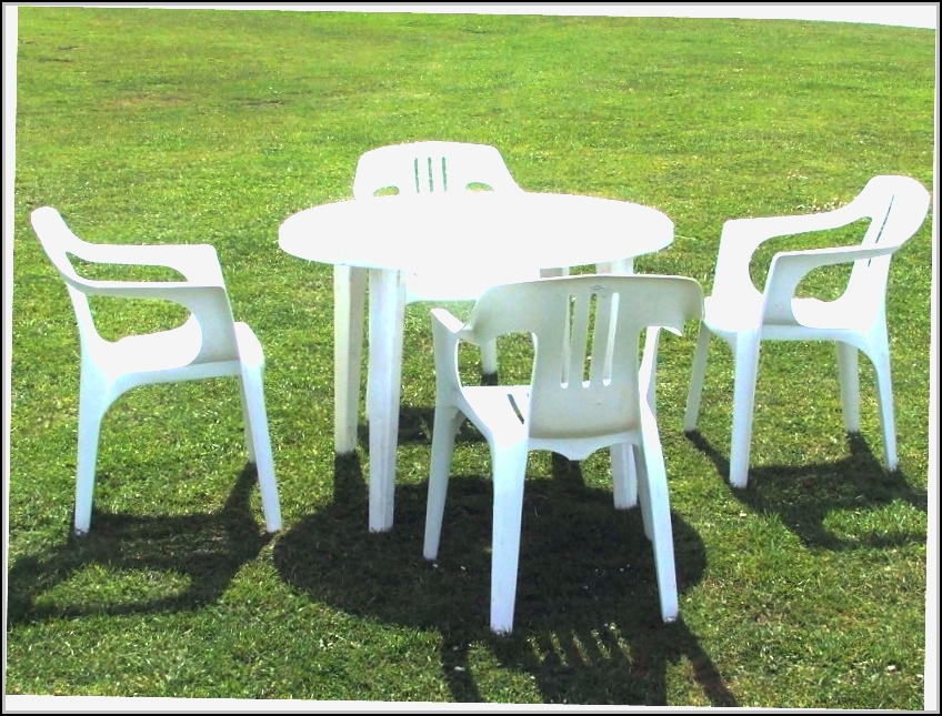Plastic Patio Chairs And Table Download Page Home Design