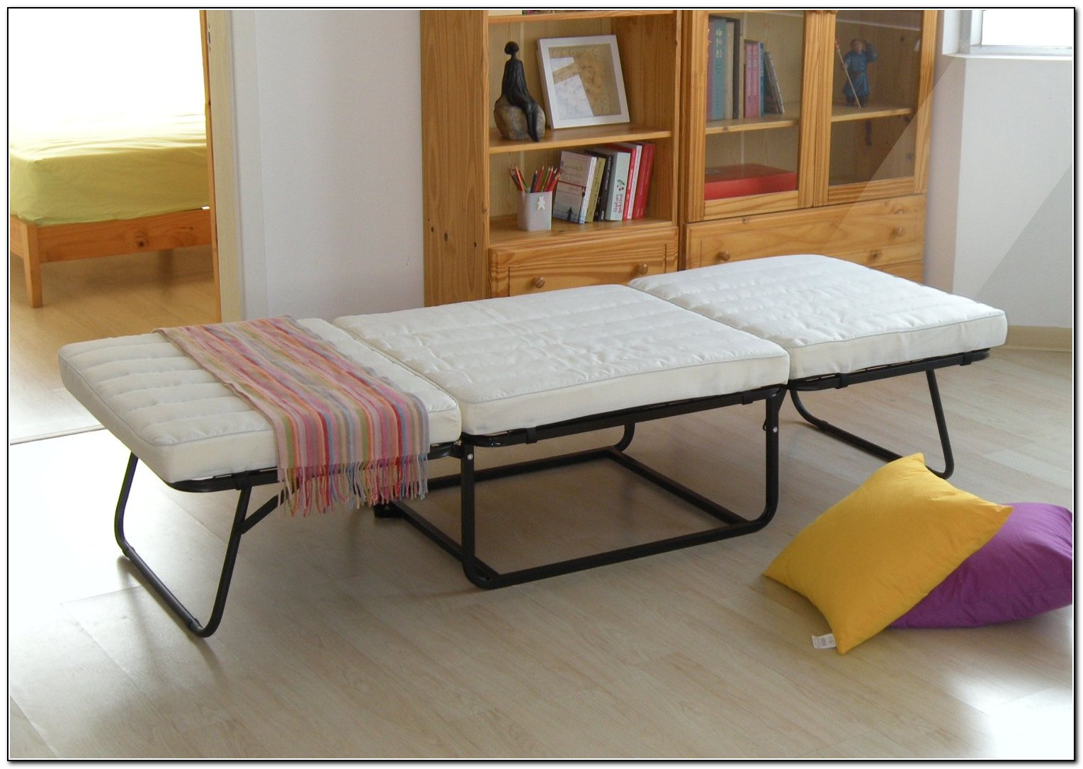 Fold Up Bed To Make Room