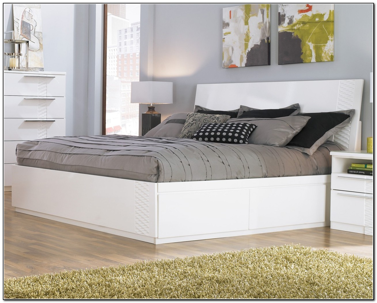 White Platform Bed With Drawers