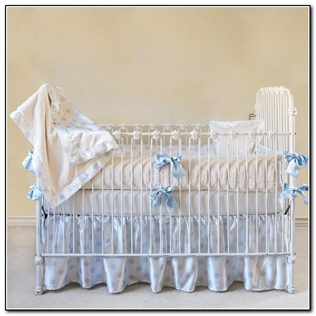 Blue Giraffe Baby Bedding