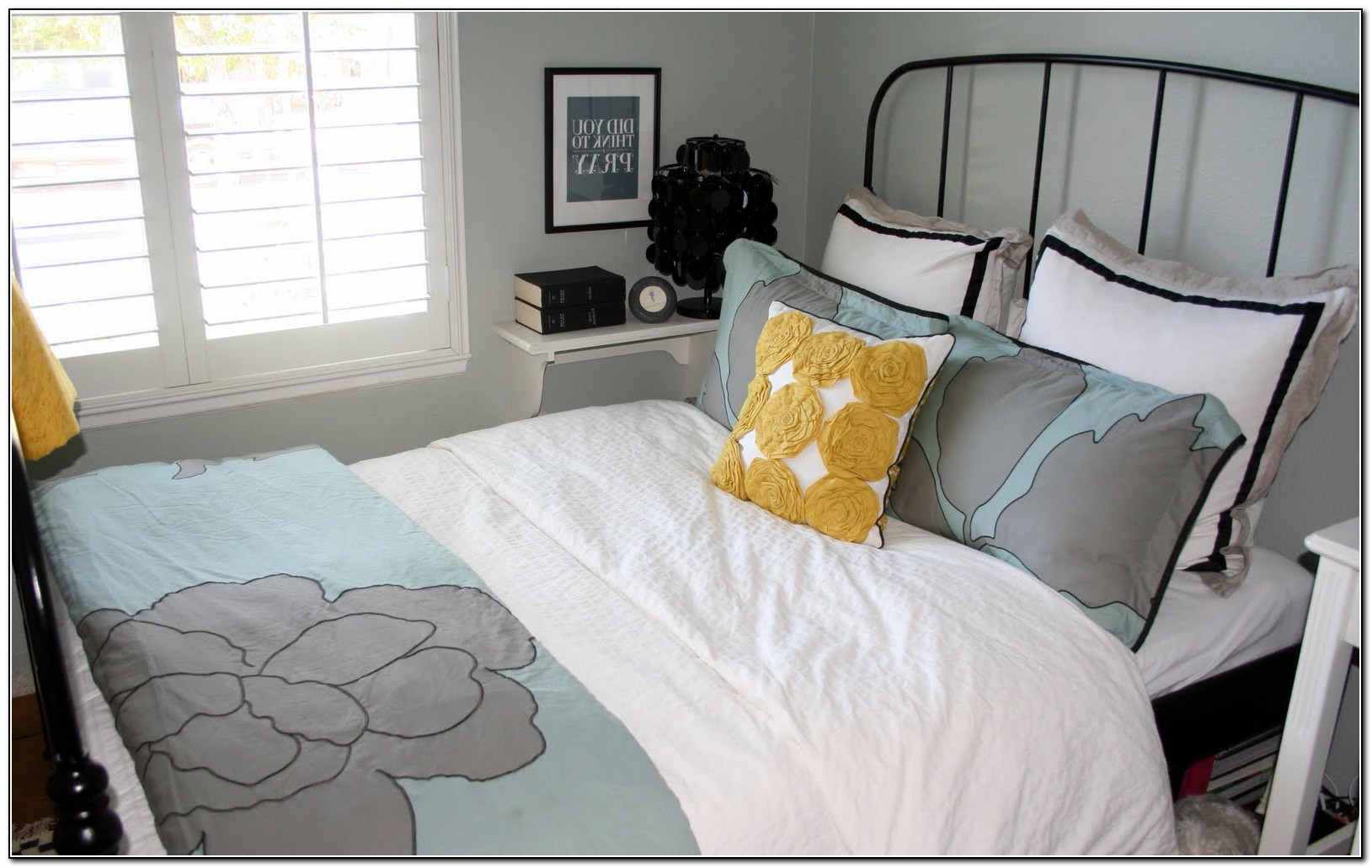 Gray And White Bedding Ikea