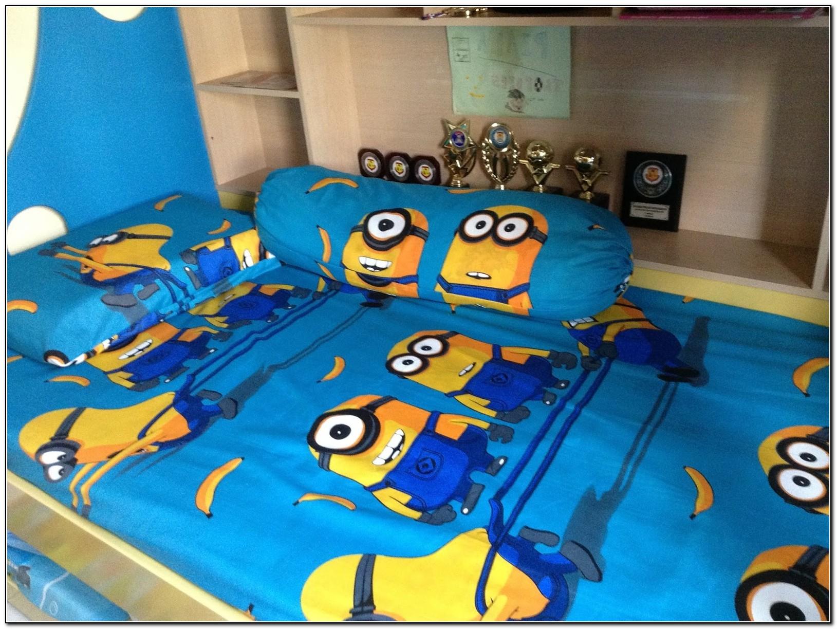 Minion Queen Bed Set