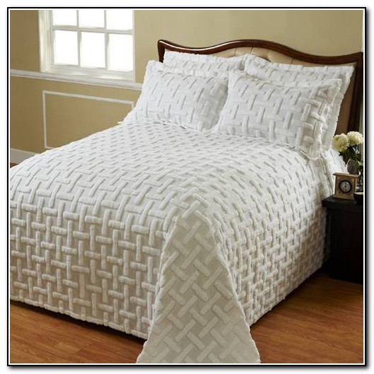 White Queen Bedspread