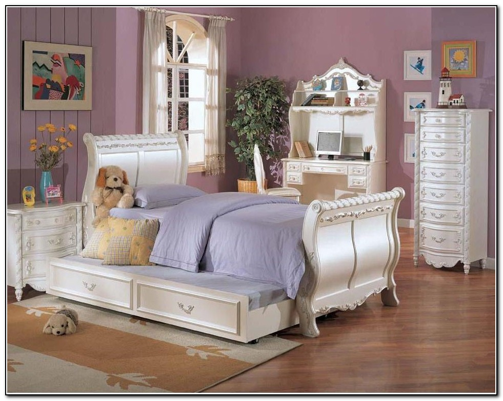 Pottery Barn Kids Twin Beds